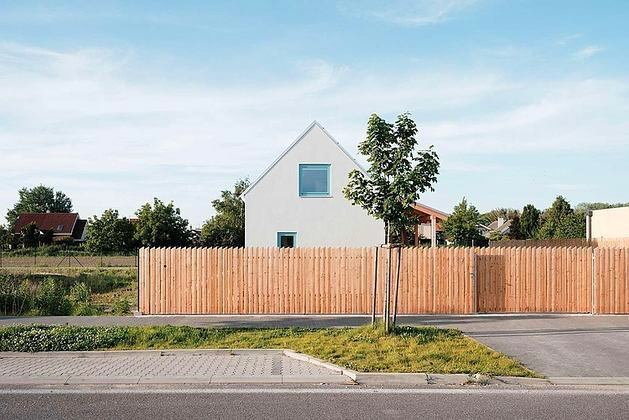 Какой дом построить на дачном участке