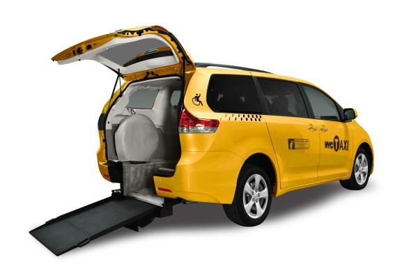 услугами такси минивэн